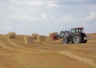 Bendradarbiaudami smulkūs ūkiai gali įsigyti modernios technikos ir įgyja teisę naudotis ja lygiomis dalimis.
