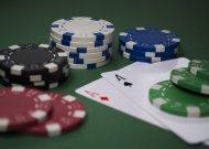 Žmones azartiniai lošimai patraukia tuo, kad sukuria sėkmingo ir pelningo gyvenimo iliuziją.