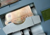 Banko sąskaitoje pasigedo 8000 eurų