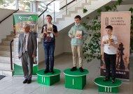 Jurbarko delegacija Iš Lietuvos šachmatų čempionato grįžo su vicečempiono taure (nuotraukos)