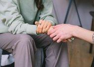 Pagal savižudybių skaičių liekame duobėje: specialistai kalba apie efektyvesnes pagalbos priemones